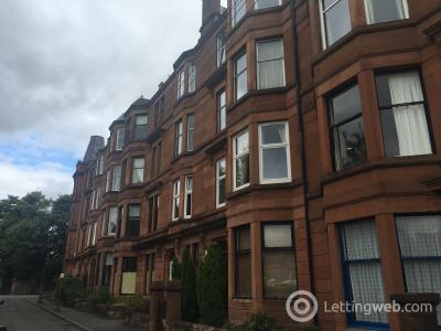 Property to rent in Kingsley Avenue