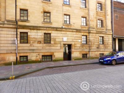Property to rent in Flat 8, James Watt Street