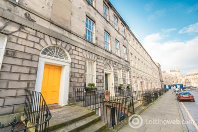 Property to rent in Clarence Street