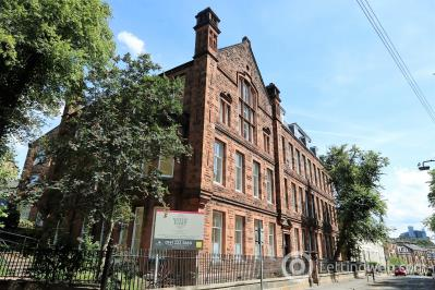 Property to rent in Victoria Crescent Road