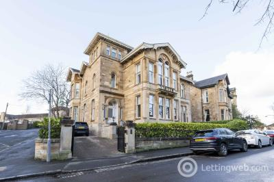 Property to rent in Dundonald Road