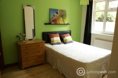 Property to rent in Mauldeth Road West