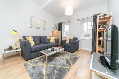 Property to rent in CANONGATE, OLD TOWN, EH8 8BX