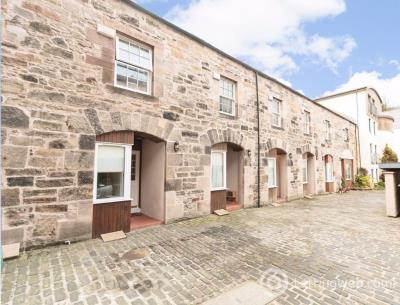 Property to rent in LOCHEND CLOSE, OLD TOWN, EH8 8BL