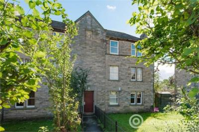 Property to rent in Sunnybank, Edinburgh, EH7 5TL