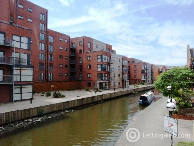 Property to rent in Quantum, Chapeltown Street, Manchester, M1