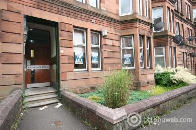Property to rent in SHAWLANDS - Strathyre Street - Part Furnished