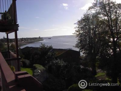 Property to rent in 17 Taypark, Dundee Road,