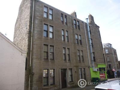 Property to rent in 1C Raglan Street, Dundee,