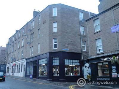 Property to rent in 2 (1/L) Johnstons Lane,