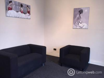 Property to rent in 49 2/2 Erskine Street,