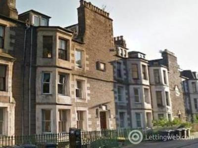 Property to rent in 6 1/2 Garland Place,