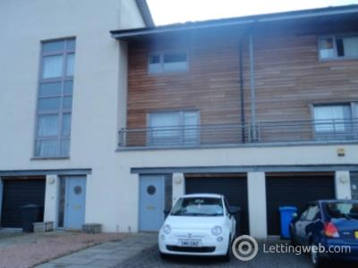 Property to rent in 48 South Victoria Dock Road,