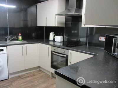 Property to rent in Flat 5, 11 Seabraes Lane,