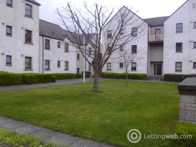 Property to rent in 98 Harbour Road,