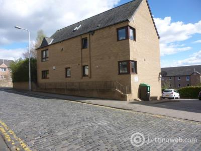 Property to rent in 18B Roseangle,