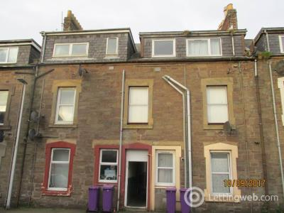 Property to rent in 15C Culloden Road,