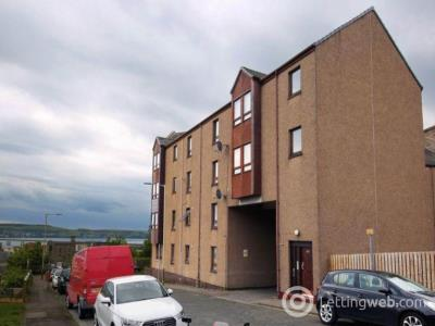 Property to rent in 9 Robertson Street,