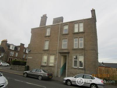 Property to rent in 1/1 2 Haldane Street,