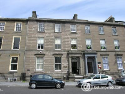 Property to rent in (Attic) 17 South Tay Street,