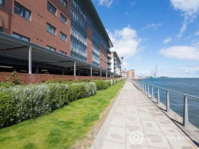 Property to rent in 6 Marine Parade,