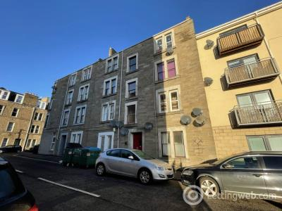 Property to rent in 25 3/2 West Street,