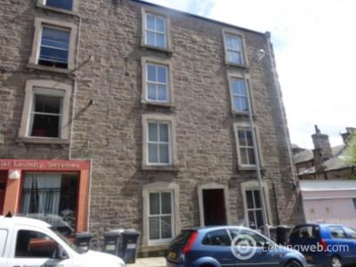 Property to rent in 6 1/2 Blackness Street,