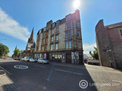 Property to rent in 166 4/2 Perth Road,