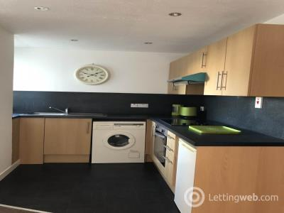 Property to rent in Mid Road, Dundee,