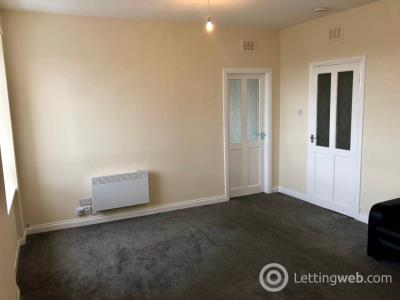 Property to rent in High Street (2/2), Lochee