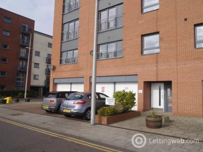 Property to rent in Gourlay Yard, City Quay,