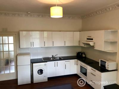 Property to rent in Seafield Road ,
