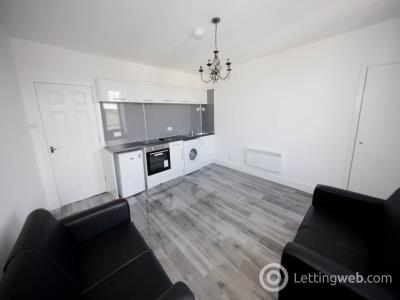 Property to rent in Strathmore Avenue, Dundee,