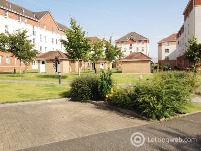 Property to rent in 18 Old Castle Gardens, Cathcart