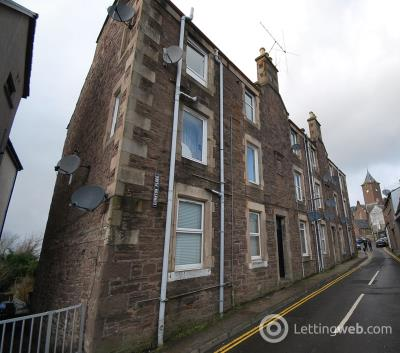 Property to rent in 2D Cornton Place Crieff