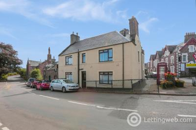 Property to rent in 2 Station Road