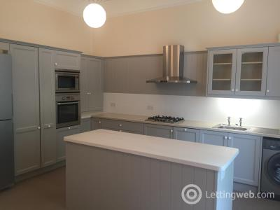 Property to rent in Morningside Place