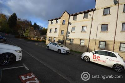 Property to rent in 4F Coach House Court