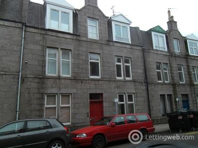 Property to rent in 15d Wallfield Crescent, 1FL, Aberdeen, AB25 2LJ