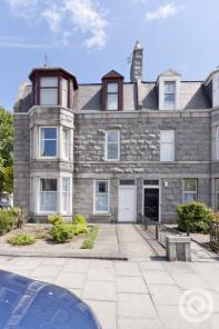 Property to rent in 16 Blenheim Place, Top floor flat, Aberdeen, AB25 2DY
