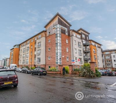 Property to rent in Albion Gardens, Leith, Edinburgh, EH7 5NS