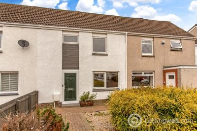 Property to rent in Almond Square , East Craigs, Edinburgh, EH12 8TZ