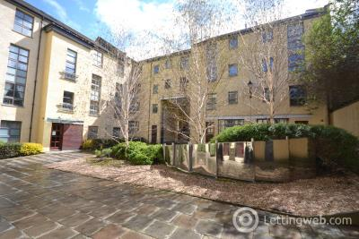 Property to rent in Old Tolbooth Wynd, Central, Edinburgh, EH8 8EQ
