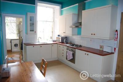 Property to rent in Merchiston Crescent, Edinburgh, EH10 5AJ