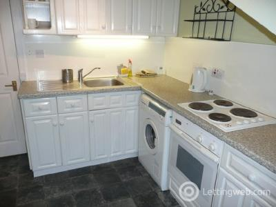 Property to rent in East Broughton Pl, City Centre, Edinburgh EH1 3RP