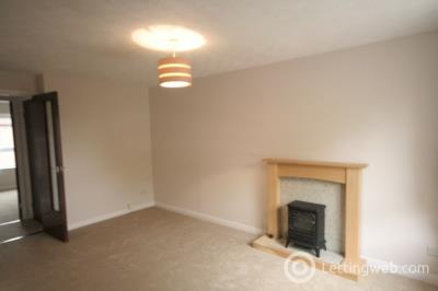 Property to rent in Stoneyhill roa