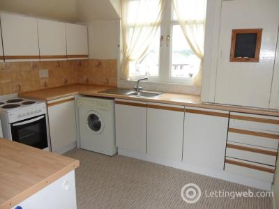 Property to rent in Station Road