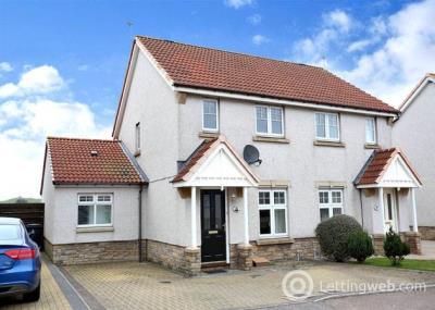 Property to rent in Seaview Place