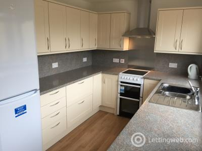 Property to rent in Culcabock Avenue, Inverness, IV2 3RG