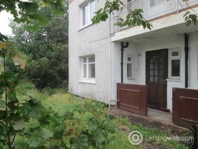 Property to rent in Fernhill Drive